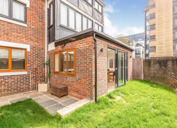 Yoke Close, Islington N7. 2 bed flat for sale