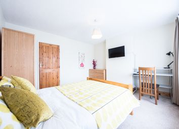 Thumbnail Room to rent in South View Avenue, Caversham, Reading