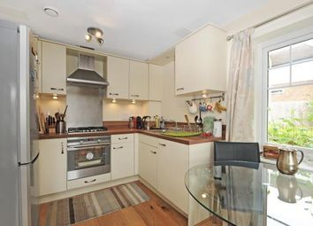 Thumbnail 2 bed flat to rent in Glendale House, Caversham Heights