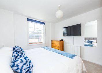 Upper Tachbrook, Victoria, London SW1V. 3 bed flat