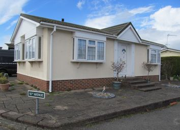 Thumbnail 2 bed mobile/park home for sale in Holly Lodge Park (Ref 5293), Tadworth, Surrey