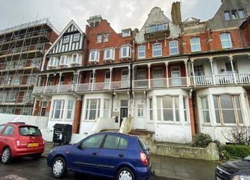 2 bed flat to rent in Lewis Crescent, Margate CT9