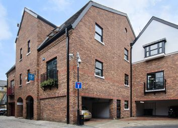 Thumbnail 2 bed flat for sale in Galena Road, Hammersmith