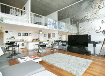 Thumbnail 2 bed flat to rent in Wenlock Road, Islington
