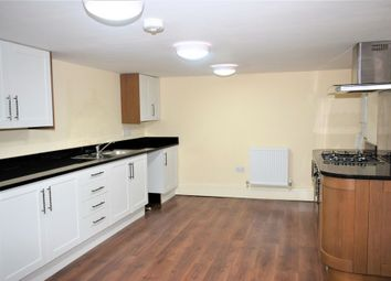 Thumbnail 2 bedroom flat to rent in The Grove, Gravesend