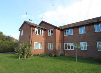 Thumbnail 2 bed flat to rent in London Road, Horndean, Waterlooville