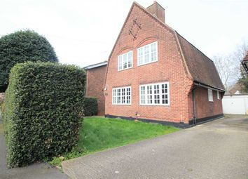 Thumbnail 4 bedroom detached house to rent in Meadway, Gidea Park, Romford