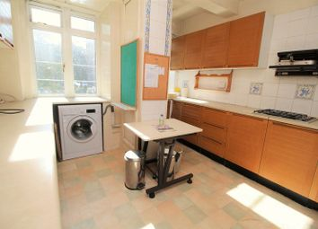 4 bed flat for sale in Du Cane Court, Balham SW17