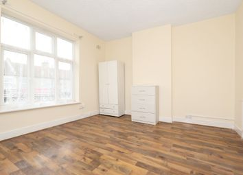 Thumbnail 4 bed flat to rent in Ilford Lane, London