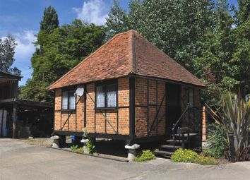 Thumbnail 1 bed cottage to rent in Tithe Lane, Wraysbury, Berkshire