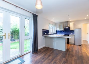 Thumbnail 3 bed property to rent in Queens Close, Thame
