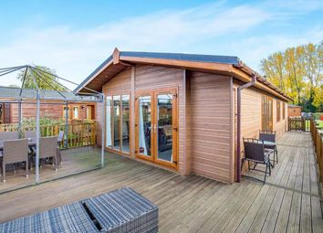 Thumbnail 3 bedroom mobile/park home for sale in Goose Island, Billing Aquadrome, Northamptonshire