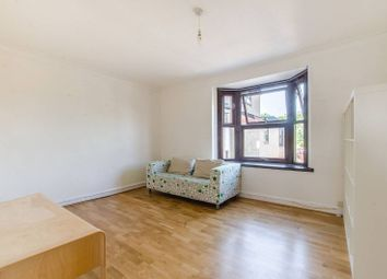 1 bed maisonette to rent in Robin Crescent, Beckton, London E6