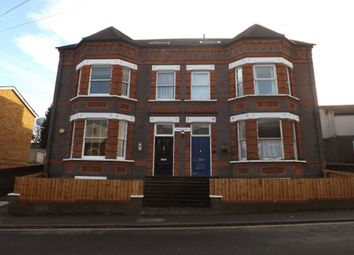 Thumbnail 2 bedroom flat to rent in Stockwood Crescent, Luton