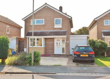 Maple Avenue, Kidlington OX5. 3 bed detached house