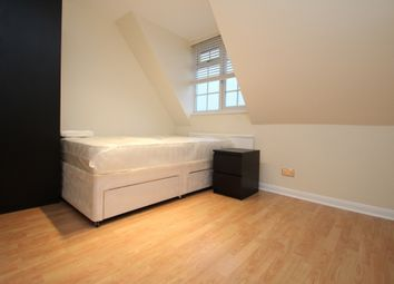 Thumbnail Room to rent in Lyndhurst Rise, Chigwell