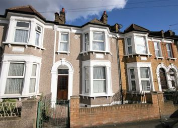 3 bed property to rent in Shorndean Street, London SE6