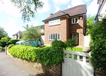East View, Hadley Green, Hertfordshire EN5. 4 bed detached house
