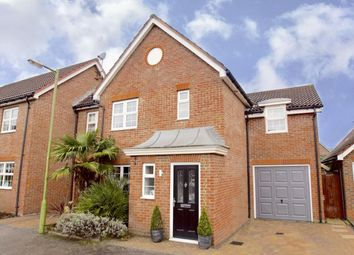 Thumbnail 4 bed property for sale in Beauchamps, Welwyn Garden City