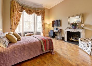 Thumbnail 4 bed flat for sale in Courtfield Gardens, London