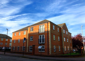 2 bed flat to rent in Latymer Court, Northampton NN1