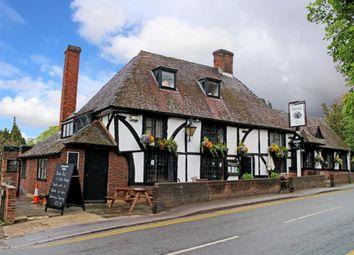 Thumbnail Pub/bar for sale in Kent - Picturesque Village Pub ME18, Yalding, Kent