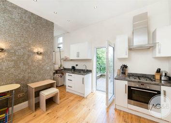 Thumbnail 2 bed flat to rent in Dartmouth Road, Forest Hill, London