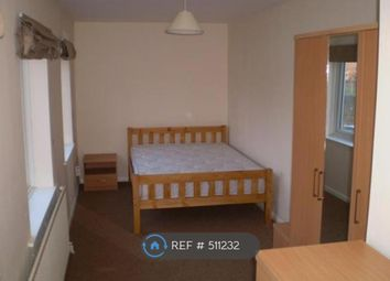 Thumbnail Room to rent in Newman Road, London