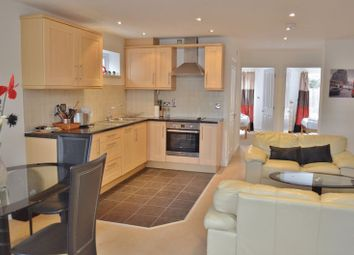 Thumbnail 2 bed flat to rent in Stapleton Road, Headington, Oxford