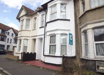 Thumbnail Studio to rent in Beach Road, Southend On Sea