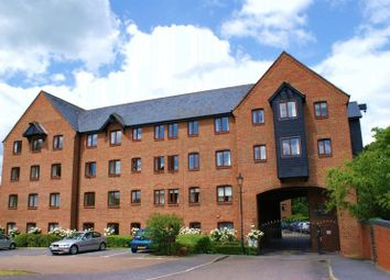 Thumbnail 2 bed property for sale in Silk Lane, Twyford, Reading