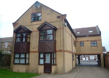 Thumbnail 1 bed flat to rent in Ainsland Court, Dunstable Road, Luton, Beds
