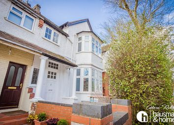 Thumbnail 4 bed flat to rent in Wentworth Road, London
