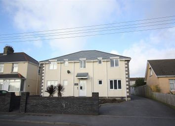 Thumbnail 2 bed flat to rent in Treloggan Road, Newquay