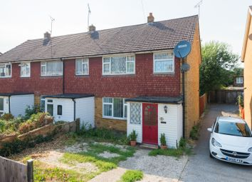 Thumbnail 3 bed property to rent in Gladstone Road, Ashford