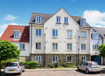 Thumbnail 2 bedroom flat for sale in Summit Close, Kingswood
