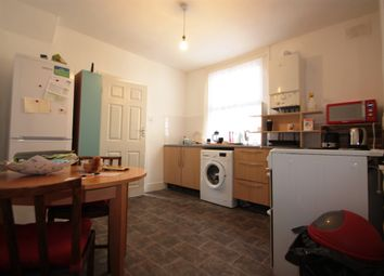 Thumbnail 2 bed flat to rent in Glasford Street, Tooting Broadway