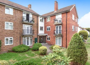 Thumbnail 3 bed flat to rent in Meadowbank, Surbiton