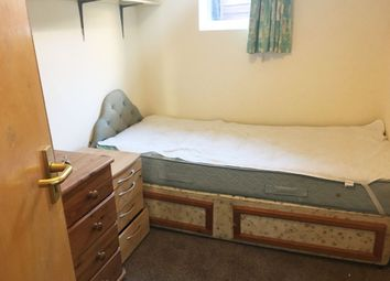 Thumbnail 5 bed terraced house to rent in London Road, High Wycombe