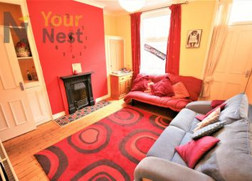 Thumbnail 4 bed property to rent in Burchett Place, Leeds
