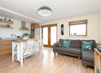 Thumbnail 1 bedroom flat to rent in Cazenove Road, Stoke Newington