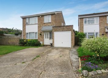 Thumbnail 3 bed detached house for sale in Dove Close, Fenstanton, Huntingdon