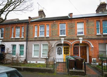Thumbnail 3 bedroom flat for sale in Chewton Road, London