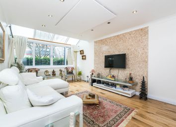 Thumbnail 6 bed terraced house for sale in Bywater Place, London