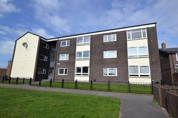 Thumbnail 1 bedroom flat to rent in Woburn Close, Macclesfield, Cheshire