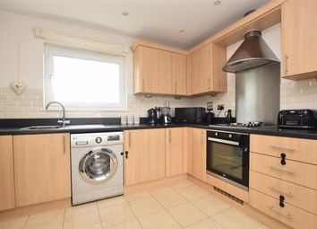 Rubeck Close, Redhill, Surrey RH1. 2 bed flat for sale