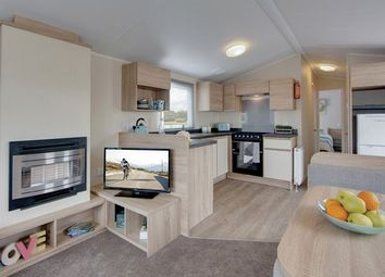 Thumbnail 2 bed mobile/park home for sale in Atwick Road, Hornsea