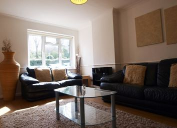 2 bed maisonette to rent in Copwood Close, Friern Barnet N12
