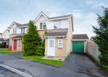 Thumbnail 3 bed detached house to rent in Hunters Way, Cippenham, Slough