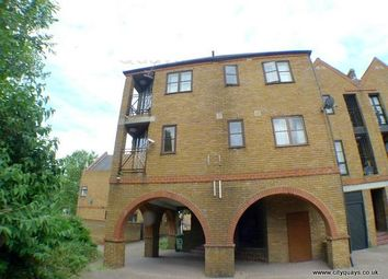 Thumbnail 2 bedroom flat to rent in Brunswick Quay, Canada Water, London SE16 7Pz